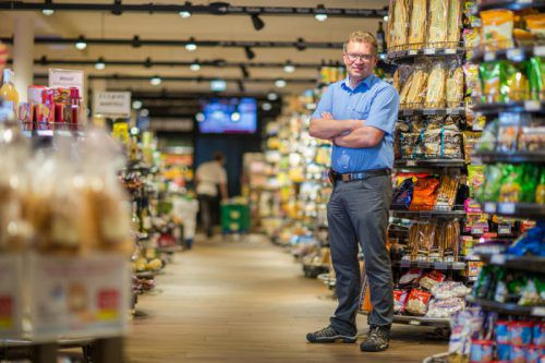Spar-Händler Jürgen Albrecht kämpft in der Coronakrise, der KMU-Preisträger zeigt seit Jahren besonderes Engagement als Unternehmer.