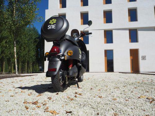 """Der Motor des """"Lustenauer"""" SNE-Elektroscooters, der seit wenigen Tagen auf dem Markt ist, befindet sich im Hinterrad. Foto: Firma"""