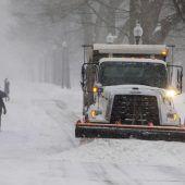 Tausende Flugausfälle wegen Schneesturms