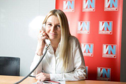 Eva-Maria Düringer nimmt sich Zeit für Fragen zum Steuerausgleich.vn/hartinger