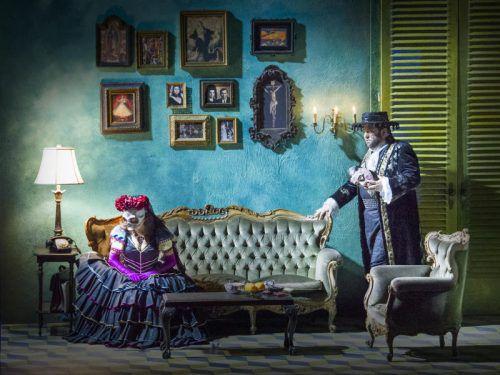 """Feinheiten im Spiel und ein starkes Kolorit: Verdis """"Ein Maskenball"""" hatte am Samstagabend in Innsbruck Premiere. Foto: LT/Larl"""