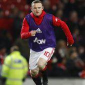 Bankdrücker Rooney bleibt ManU treu