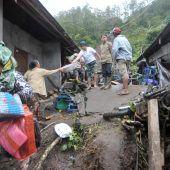 Zwölf Tote bei Erdrutschen auf Bali