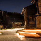 Zumtobel illuminiert Walliser Ort Bürchen