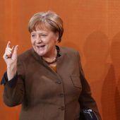 Kanzlerin Merkel überrascht mit neuer Gestik