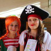 Nofler Kinder feiern Fasching in Volksschule