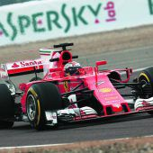 Ferrari fährt mit Haifischflosse