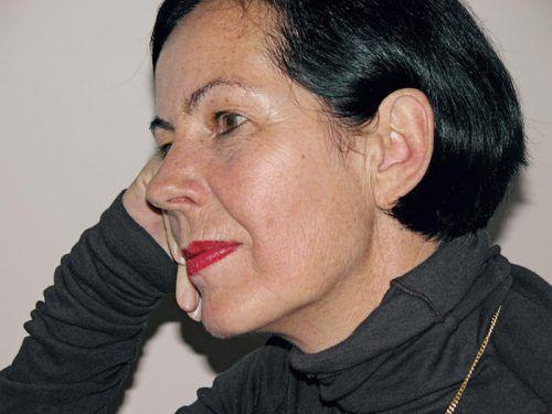 Lisa Elsässer, geboren 1951 im Kanton Uri, schreibt Lyrik und Prosa und wurde mehrfach ausgezeichnet.  Foto: Rotpunktverlag