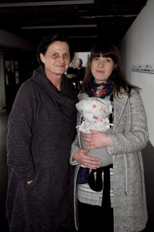 Marion (l.) und Hannah Gassner mit Nachwuchs. Fotos: Franc