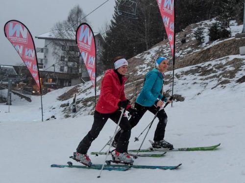 Rosi Fischer (l.) und Conny Moser gingen frisch-fröhlich mit den prominenten Startnummern 1 und 2 auf die Strecke.