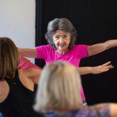 Älteste Yoga-Lehrerin der Welt ist 98 Jahre alt