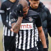 Luiz wird Opfer rassistischer Beleidigungen