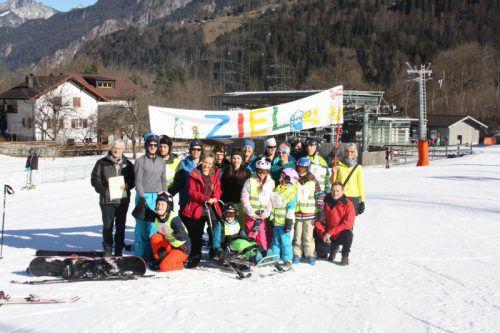 Alle Teilnehmer der aks-Skiwoche im Montafon kamen letztlich wohlbehalten im Ziel an. Foto: aks gesundheit