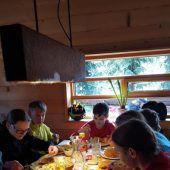 30 Schüler aus Lustenau beim Skitag in Lech