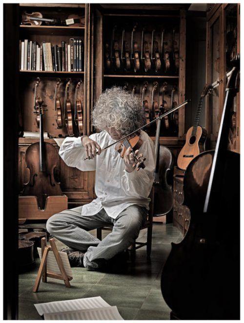Branduardi präsentiert eine Symbiose von klassischer Musik und traditioneller Volksmusik. foto: lungomare