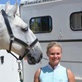 Glücklich bei den Pferden