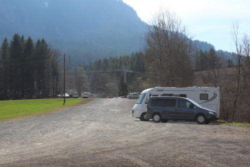 Das Grundstück verwenden die Bergbahnen als Parkplatz.