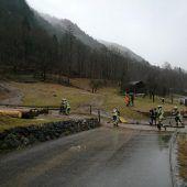 Mure sorgt für Sperre von Straße in St. Gallenkirch
