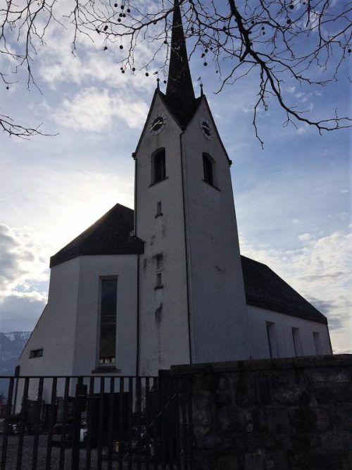 Die Pfarrkirche Schnifis wird in drei Etappen saniert. Foto: Schnegg