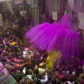 Indien feiert sein buntes Holi-Fest