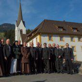 Freundschaftlicher Empfang für die Bischöfe in St. Gerold