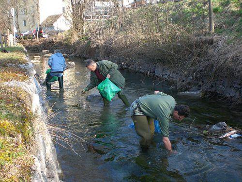 In Bludenz liegt bei der Landschaftsreinigung der Schwerpunkt auf der Säuberung der Flussläufe. Foto: Stadt