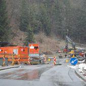 Aufbauarbeiten bei Höllbrücke, die Zweite