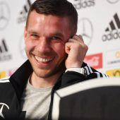 Podolski bei Abschied mit Kapitänsbinde