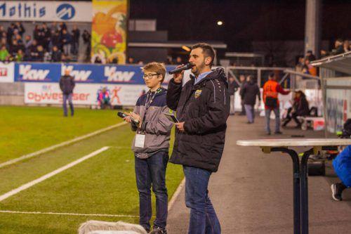 Maximilian Werner (links) mit Stadionsprecher Thomas Giesinger.