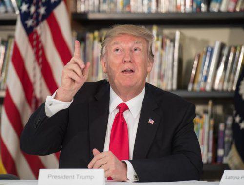 Neuer Anlauf für Trumps umstrittenen Einreisestopp: Dieses Mal soll die Anordnung vor Gericht halten. Foto: AFP