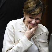 Rendi-Wagner präsentiert sich im Parlament