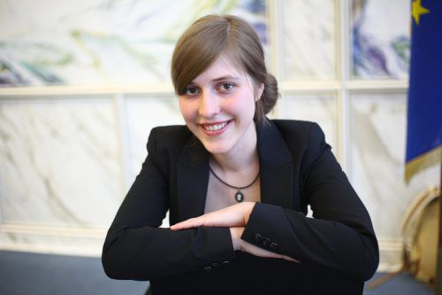 """Vorarlberger Autorin Sarah Rinderer liest aus """"Mutterschrauben: Revisited"""". VN/KH"""
