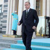 Erdogan räumt mit Gegnern auf
