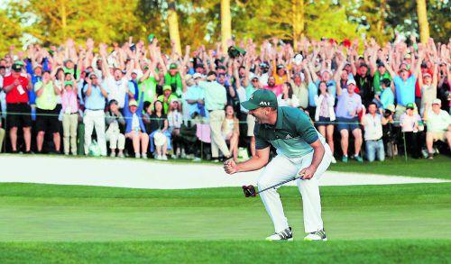 Der Triumph beim Masters in Augusta ist perfekt: Für Sergio Garcia fiel der Putt am ersten Extra-Loch.  Foto: ap