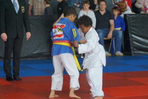 Die jüngsten Judokas waren mit Freude und Eifer dabei.  Verband
