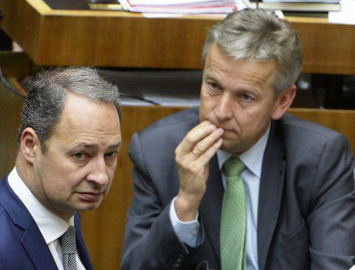 Die Klubobleute Schieder (SPÖ, l.) und Lopatka (ÖVP) wehren sich gegen das von Rechnungshofpräsidentin Kraker geforderte Neuwahlverbot.  APA