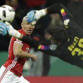 Dortmund stürzt Bayern
