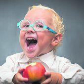 An Öpfel aabiißa