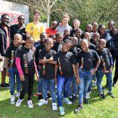 Kinderchor aus Uganda zu Besuch in Götzis
