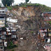 Erdrutsche fordern 17 Todesopfer