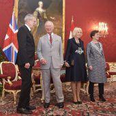 Charles und Camilla auf Tuchfühlung in Wien