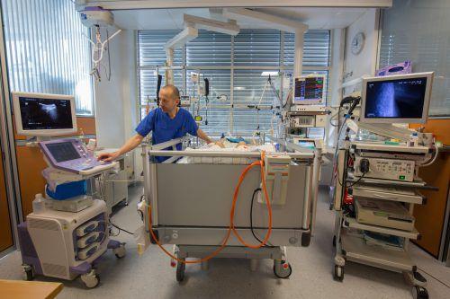 Hinter Leo Valentin liegt ein 13-monatiger Spitalsaufenthalt. Er schwebte zwischen Leben und Tod.  Foto: VN