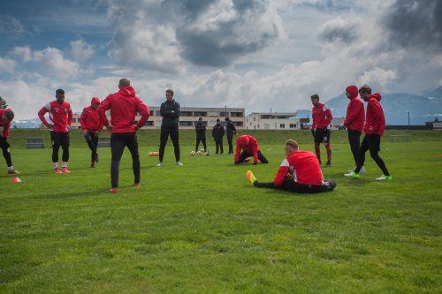 Im Rheinvorland trainierte die Mannschaft des SC Austria Lustenau erstmals vor den Augen von Neo-Chefcoach Andreas Lipa. Fotos: Steurer/2