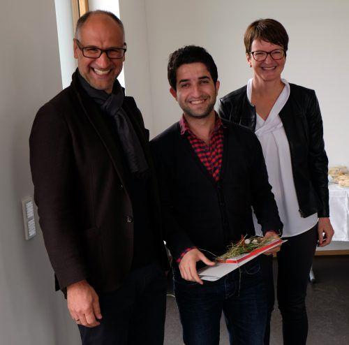 Martin Hebenstreit, Mohammad und Reingard Feßler (v.l.) connexia