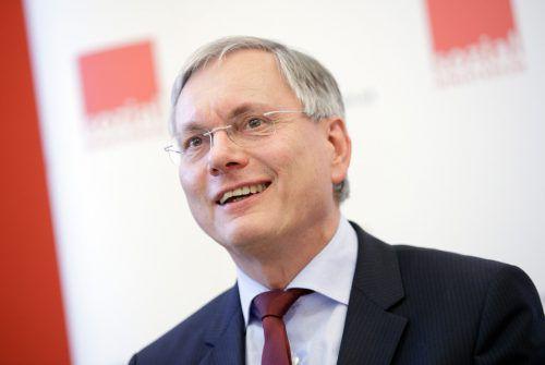 Minister Alois Stöger freute sich darüber, Bundeszuschuss zur Pensionsversicherung wieder gesunken ist. Foto: apa