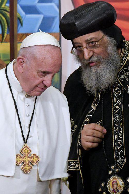 Papst Franziskus traf in Ägypten den Papst der Kopten, Tawadros II.   Foto: AP