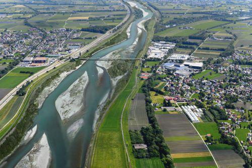 So soll der Rhein künftig aussehen. Computerbild: Rhesi