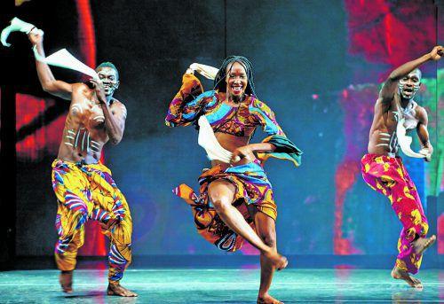 """""""Afrika! Afrika!"""" zeigt die künstlerische Gegenwart genauso wie das traditionsreiche Erbe Afrikas. Foto: suzy stéckl"""