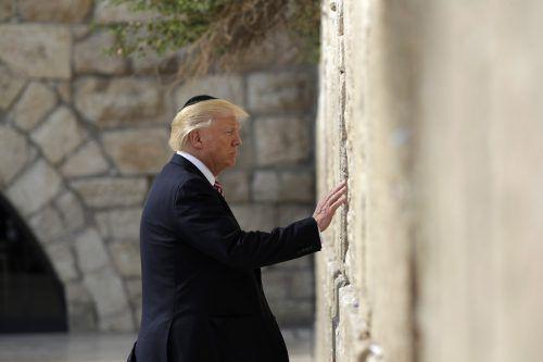 Als erstes amtierendes US-Staatsoberhaupt besuchte Trump die Klagemauer in der Jerusalemer Altstadt. Foto: AP