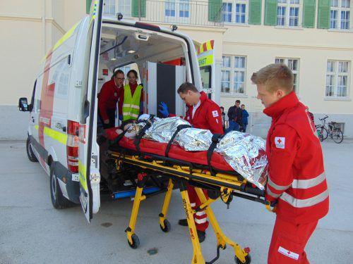 Auch einen neuen Rettungswagen bekommt die Rotkreuzabteilung Lustenau. Am Samstag wird er gesegnet. Foto: Rotes Kreuz